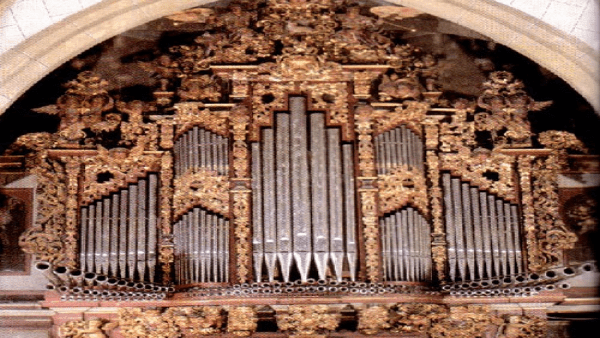 Baroque organ in Paredes de Nava
